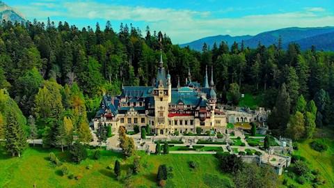 cine-a-locuit-in-castelul-peles