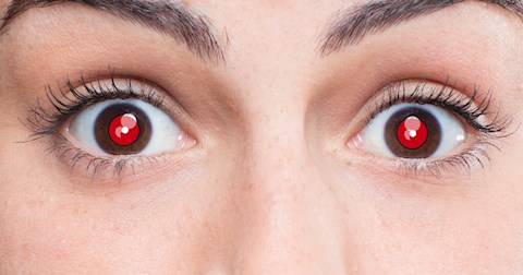 why-do-our-eyes-turn-red-in-flash-photos
