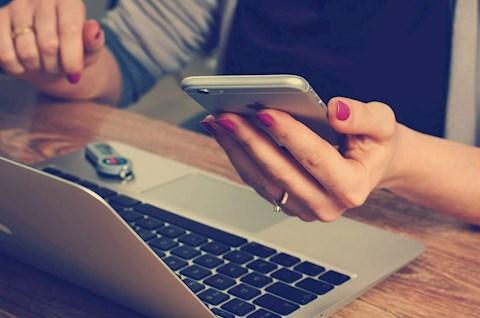 melyek-a-legjobb-internetes-szolgaltatasok-a-kollegak-a-tanarok-es-a-diakok-kozotti-kapcsolattartasra