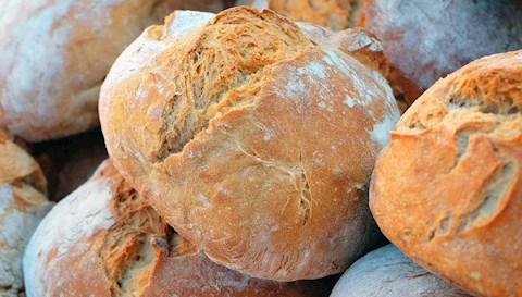 kenyer-receptek-avagy-mi-a-ropogos-hazi-kenyer-sutes-titka