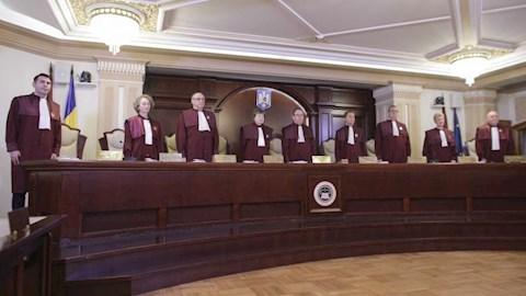 cine-a-numit-judecatorii-curtii-constitutionale